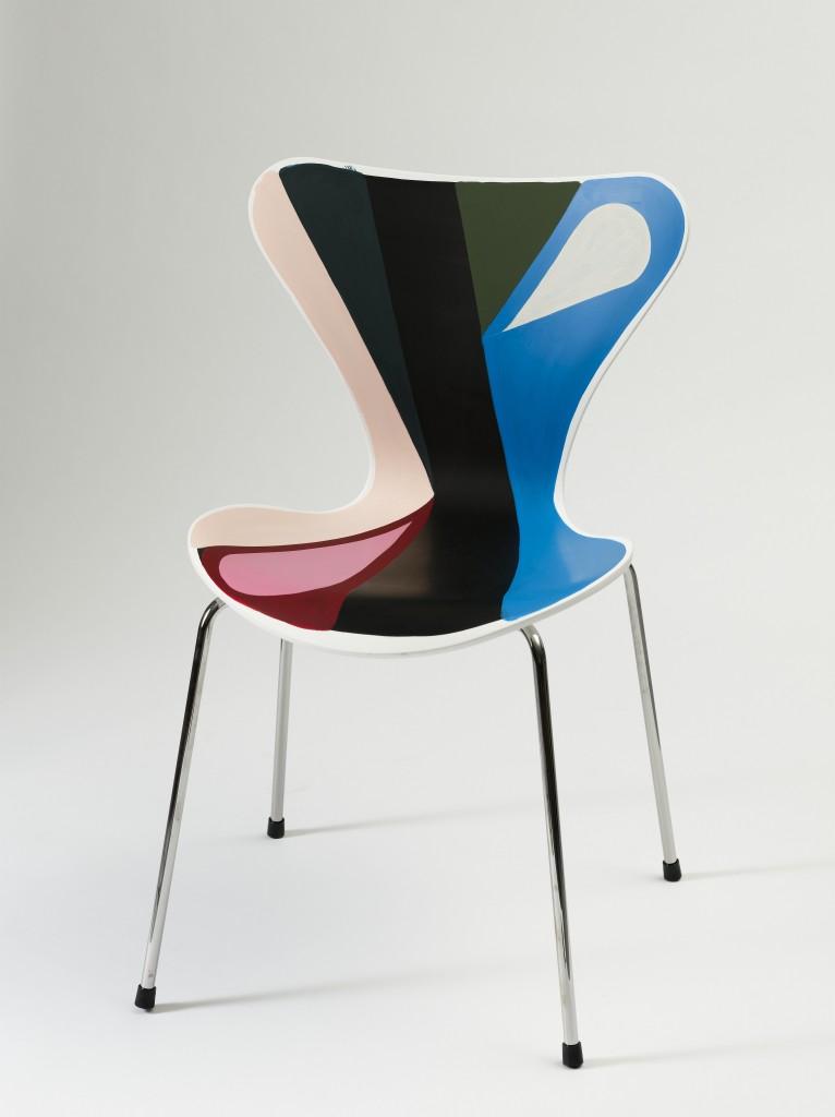 2008 bemalet 7′er stol : Kræftens Bekæmpelse Auktion1