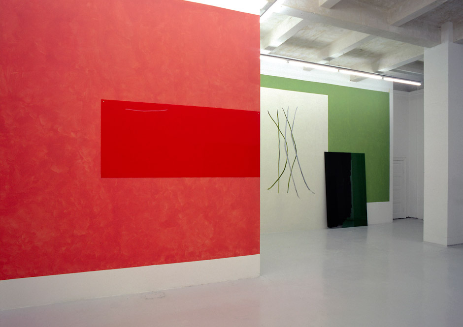 Libertine_Appearance_and_Disappearance_MaleneLandgreen_Installation_2004-1